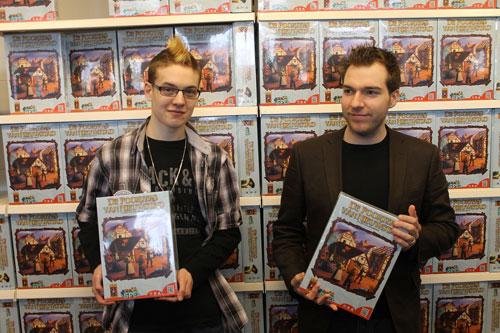 auteur Tycho en vormgever Rogier - foto: Niek Ederveen