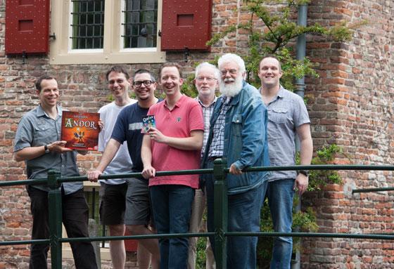 een select groepje juryleden toont de winnaars (foto: NSP)