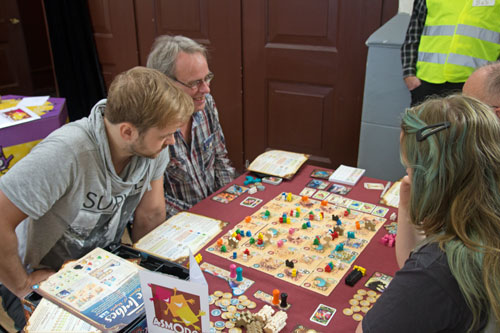 Five Tribes valt in de smaak