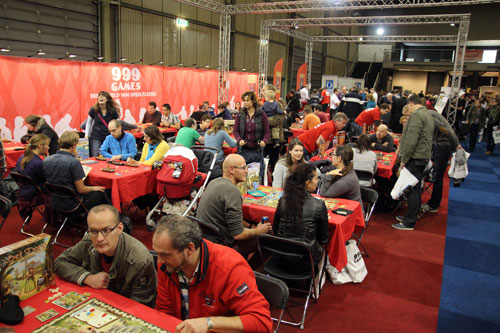 de grote 999 Games stand