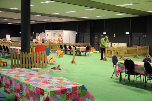 het kinderplein in opbouw