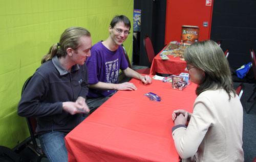 Richard de Rijk demonstreerde zijn 999 Games kaartspel Dieven