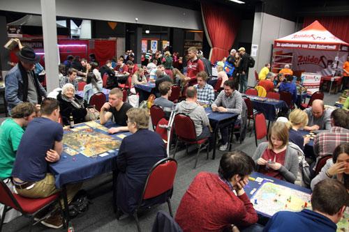 volle tafels zorgen voor speelplezier